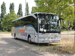 DSCN6586 Kneissl Touristik Gesellschaft m.b.H, Edt/Lambach WE SAB2 (Skillsbus) Tags: buses coaches france austria mercedes tourismo sabtours kneissltouristik