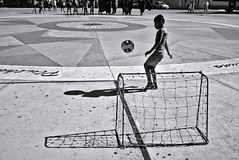 I want to be a soccer star (fcribari) Tags: 2016 bw brasil brazil pernambuco recife blackandwhite football futebol monochrome pretoebranco shadow soccer street streetphoto streetphotography