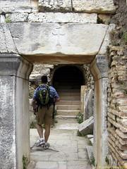 Ephesus_15_05_2008_12 (Juergen__S) Tags: ephesus turkey history alexanderthegreat paulua celcius library romans outdoor antiquity