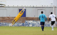 Robert Tiropoulos gets his fingertips onto a Perthshire effort (Stevie Doogan) Tags: clydebank glasgow perthshire exsel group sectional league cup wednesday 10th august 2016 holm park
