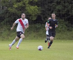 Alan Vezza powers forward out of defence (Stevie Doogan) Tags: clydebank glasgow perthshire exsel group sectional league cup wednesday 10th august 2016 holm park