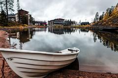 Ruka (Tuomo Lindfors) Tags: kuusamo suomi finland topazlabs clarity dxo filmpack ruka kaltiolampi lampi pond vene soutuvene boat vesi water