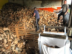 "Firewood deliveries have really kicked off this week #wardenstreecare <a style=""margin-left:10px; font-size:0.8em;"" href=""http://www.flickr.com/photos/137723818@N08/30038583862/"" target=""_blank"">@flickr</a>"