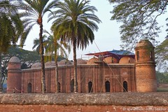 Bagerhat, Sixty Dome or Shait Gumbad Mosque, 1459, UNESCO World heritage site (Sekitar) Tags: world heritage architecture site mosque historic unesco dome bangladesh masjid sixty bangla desh southasia bagerhat gumbad bangladesch gombuj shait earthasia মসজিদ moshjid ষাট গম্বুজ shaṭ