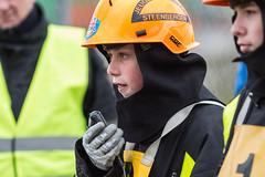 Jeugdbrandweer Steenbergen (junioren) - Onderlinge wedstrijden Bergen op Zoom 21-03-2015-1 (B.j-Star) Tags: digital canon eos zoom 21 nederland 200 l op 28 mm bergen 70 firefighters brandweer maart onderlinge 2015 wedstrijden 650d junioren jeugdbrandweer 210315 apiranten