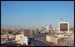 Skyline Berlin (Allard Bezoen) Tags: city 2 berlin station skyline river br bahnhof fernsehturm fluss spree stad intercity stam berlijn traxx 146 rivier dubbeldekker internationales handelszentrum doppelstock baureihe 1462 friedrichstrase ic2 p160 rijtuigstam