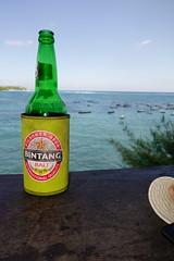 DSC01943 (adamfrunski) Tags: bali nusalembongan bintang lunch beer