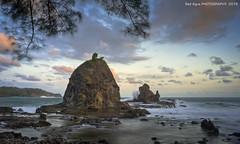 Watulumbung Beach_04 (SadAgus) Tags: carlzeiss nikon d800 watulumbung indonesia beautiful breathtakinglandscape landscape seascape shore cloudsstormssunsetssunrises sunset
