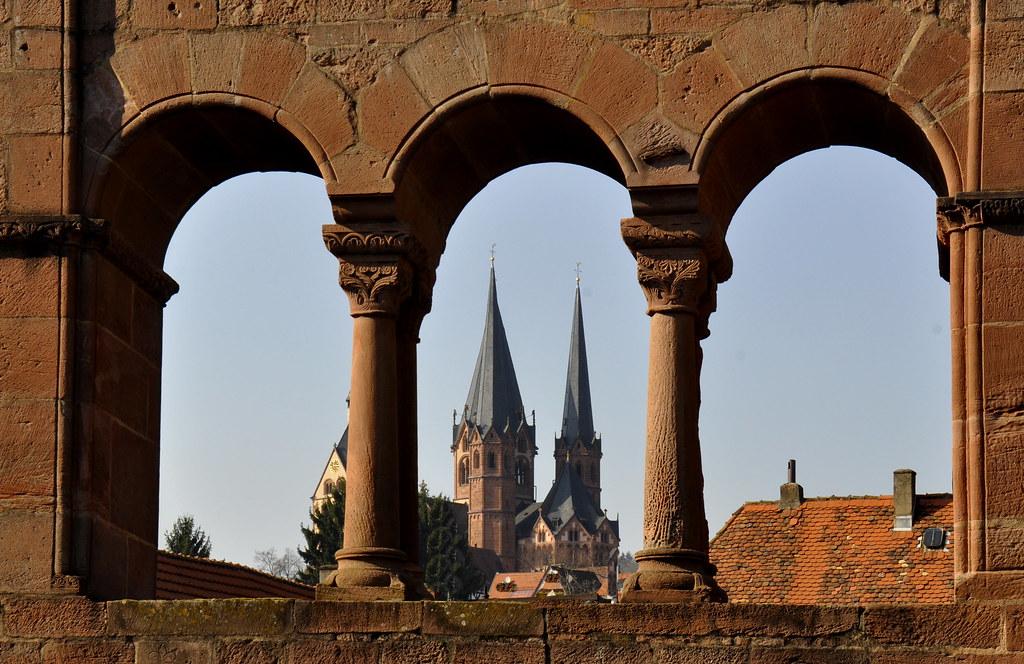 Von Barbarossas Kaiserpfalz sind noch einige stolze Reste in ...