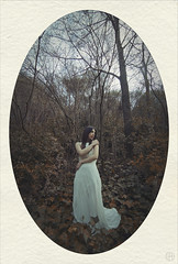 the sirens of the woods (Rain...) Tags: light portrait nature girl forest woods dress medieval diana frame romantic oval sirens mandorla elipse paspartu luisfrlopez