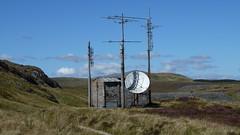 Cwt unig. Remote hut. (DJ Cwm Bach) Tags: wales dish satellite north cymru aerial bach hut remote slate snowdonia quarry ffestiniog cwt eryri blaenau rhiw gogledd llechi manod chwarel unig rhiwbach
