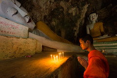 Devotion (wu di 3) Tags: thailand southeastasia phatthalung buddhism budda monk candle prayer pray