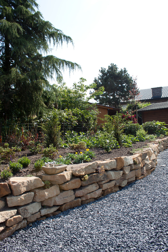 Gartengestaltung Mauersteine, the world's best photos of gartengestaltung and steine - flickr hive, Design ideen