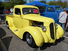 Wheaton, IL, Cantigny Park, Classic Car Show, Yellow Plymouth Truck, 1937 (Mary Warren (7.3+ Million Views)) Tags: wheatonil cantignypark classiccars yellow truck plymouth