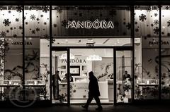 London Nov 2015 (7) 008 (Mark Schofield @ JB Schofield) Tags: park christmas street city winter england white black london monochrome canon fairground carousel hyde oxford rides nightlife wonderland stalls 5dmk3