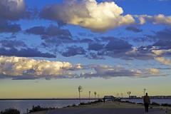 Atardecer en el camino (Fotgrafo-robby25) Tags: atardecerenelmarmenor fujifilmxt1 gente lopagnmurcia marmenor nubes salinasyarenalesdesanpedrodelpinatar