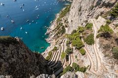 il serpentone di Capri... (Minieri Nicola) Tags: capri faraglioni napoli italia landscape paesaggio rocce travel summer estate viaggiare turismo mare sea