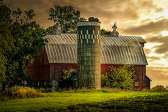 """Gentle Awakening"" (henryhintermeister) Tags: barns minnesota oldbarns clouds farming countryliving country sunsets storms sunrises pastures nostalgia skies outdoors seasons mankato"