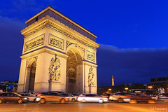 Arc de Triomphe (tomosang R32m) Tags: arcdetriomphe france paris    lavenuedeschampslyses  champslyses yakei night nightview   road  arcdetriomphedeltoile