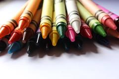 Y0951 (yolyes) Tags: canonistas canon rebelt5 t5 eost5 colorful colors crayons crayones crayolas cera
