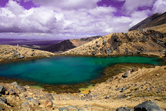 一泓之蓝 (nzfisher) Tags: blue newzealand sky cloud lake clouds canon landscape volcano nationalpark cloudy 24mm tangarironationalpark