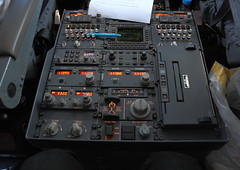 Flight Deck Boeing 737-800 : communication panel (wrblokzijl) Tags: door panel lock cockpit communication access panels boeing channel flightdeck 737 vhf 737800 deny acars