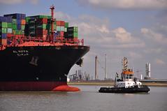 Union Jade with Al Riffa (larry_antwerp) Tags: haven port ship belgium vessel container antwerp schelde schip uasc alriffa