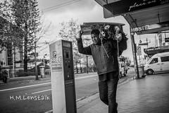 MONO1132 (H.M.Lentalk) Tags: leica m typ 246 monochrome summilux summiluxm 28mm 28 f14 14 114 11428 oz aussie australia australian street sydney black white people urban life city asph newtown