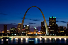 Gateway Arch (adcristal) Tags: park city monument night river mississippi photography illinois memorial arch martin malcolm steel w stlouis mo missouri gatewayarch gateway mississippiriver stainless stlouisarch eaststlouis oldcourthouse jeffersonnationalexpansionmemorial gatewaytothewest gatewaytothemidwest tamron1750mmf28 malcolmwmartinmemorialpark malcolmmartin mississippiriveroverlooknikond7000