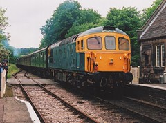 "BR Blue Class 33/1, 33102 ""Sophie"" (37190 ""Dalzell"") Tags: brblue birminghamrailwaycarriagewagonco brcwco sulzer crompton type3 bagpipe class33 class331 33102 sophie d6513 cvr churnetvalleyrailway cheddleton"