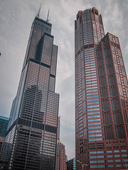 Mike Maney_Chicago Finale-153.jpg (Maney|Digital) Tags: architecture chicago city friends skyline streetphotography