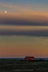 Into the night (Kjartan Gumundur) Tags: sunset sky clouds canon iceland cottage sland canoneos5dmarkiii kjartangumundur canonef100400mmf4556lisiiusm