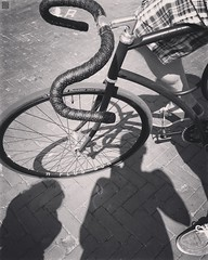Just the four of us... Taken by @cherokeecher #cyclographics#vanhulsteijn#arnhem#4617#singlespeed#coasterbrake#steelisreal#miche#hplusson#ritchey#sturmeyarcher#michelin#dropbar#not#a#fixie#fixedgear#fixed#bicycle#urban#street#lemuridae#stealth (graafsten) Tags: coasterbrake bartape fizik dropbar hplusson singlespeed blackandwhite blackwhite bw be bnw stealth cycling bicycle vanhulsteijn bike instagramapp square squareformat iphoneography willow