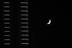 Rendez-vous au coin de l' immeuble (Pi-F) Tags: lune lumire nb balcon nuit barre rendezvous immeuble ligne beyrouth liban clairage trait minimalisme nbbwsw