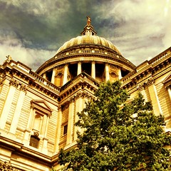 St Paul's Cathedral (MoMontyMisty) Tags: london church st cathedral religion pauls