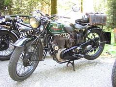 ROYAL ENFIELD (John Steam) Tags: vintage drive austria royal meeting motorbike motorcycle oldtimer obersterreich enfield motorrad regularity oldtimertreffen imvc mattighofen kobernausserwald gleichmaessigkeitsfahrt kindstal kwl977