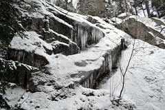 Icicles on the southern precipice of Romvuori above Lake Pitkjrvi (Espoo, 20120114) (RainoL) Tags: winter snow espoo finland geotagged january u icicle fin precipice 2012 uusimaa nyland esbo 201201 20120114 lakesofnuuksio romvuori geo:lat=6029736400 geo:lon=2454183200