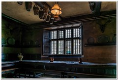 1798 period tavern (Hugh Stanton) Tags: light window table moody chairs ale years jugs past