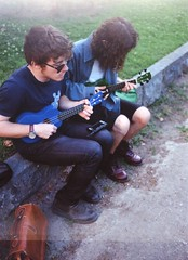 Antonio and Andrea (Manto Prestipino) Tags: boy boys portrait garden summer nikon kodak 35mm film filmisnotdead analogic youth ukulele