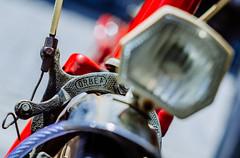 Dellates de otros tiempos...   ///   Old time details (Walimai.photo) Tags: salabike bicicleta bicycle bici freno break light luz bokeh nikon d7000 helios 44m4 salamanca spain espaa rojo red metal