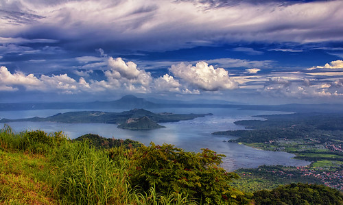 From flickr.com: Taal Lake and Volcano, Tagaytay, Philippines {MID-208702}