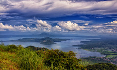 Taal Lake and Volcano, Tagaytay, Philippines (Ray in Manila) Tags: lake water volcano asia pacific philippines scenic ridge crater caldera tropical batangas picturesque tagaytay taal eruption luzon eos650 taalvistahotel pacificringoffire volcanoislandyellowlake