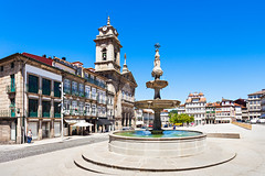 Toural Square, Guimaraes (Voyages Lambert) Tags: street city blue portugal statue architecture outdoors hotel europe cobblestone guimaraes obelisk awe largo townsquare cental urbanscene traveldestinations famousplace toural portugueseculture rivermaingermany cityofcenter portugesecurrency