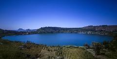 Il lago senza fine... (Salvatore Brontolone) Tags: sky panorama alberi bleu cielo azzurro colline averno pozzuoli coltivazione