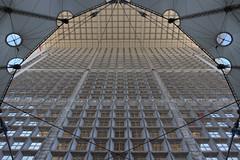 Ouverture (StephanExposE) Tags: paris france building canon architechture ladefense moderne reflet reflect iledefrance batiment 1635mm 600d 1635mmf28liiusm stephanexpose