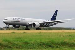 Boeing B777-300 ~ F-GZNN Air France Skyteam (Aero.passion DBC-1) Tags: aeropassion dbc1 biscove david spotting cdg roissy avion plane aircraft boeing b777300 ~ fgznn air france skyteam