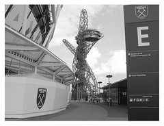 The War of The Worlds (Chevblue) Tags: londonstadium westham stratford eastlondon london stadium queenelizabeth