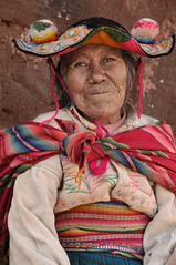 DSC_3675_19_03_2016 (magbrinik) Tags: peru bolivia puno titicaca traditionalvillage travelphotography travelreportage tribe traditionaljewellery womanportrait oldwomanportrait remoteregion abititradizionali laketiticaca headdress beautifulsmile