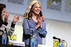 Lucy Lawless (Gage Skidmore) Tags: connie nielsen ming na wen morena baccarin melissa benoist nathalie emmanuel tatiana maslany lucy lawless san diego comic con international california convention center ew entertainment weekly women who kick ass