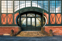 Zeche Zollern, Dortmund : Eingang zum Maschienenhaus (marius_weczera) Tags: zeche industrie kohle zollern lzb tor tr eingang historisch restauriert denkmal